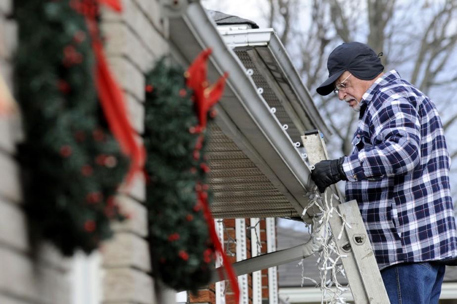 Les victimes d'accidents liés aux lumières de Noël... (photo archives la presse canadienne)