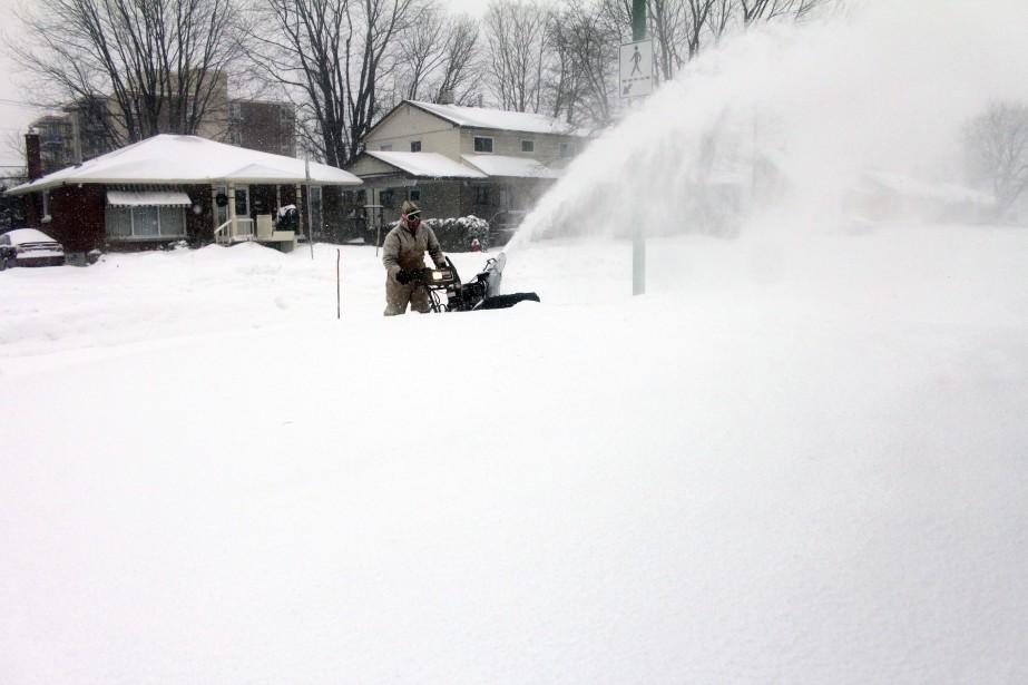 Le bal des chasse-neige a commencé pendant la nuit de lundi à mardi et s'est poursuivi toute la journée. (Etienne Ranger, LeDroit)