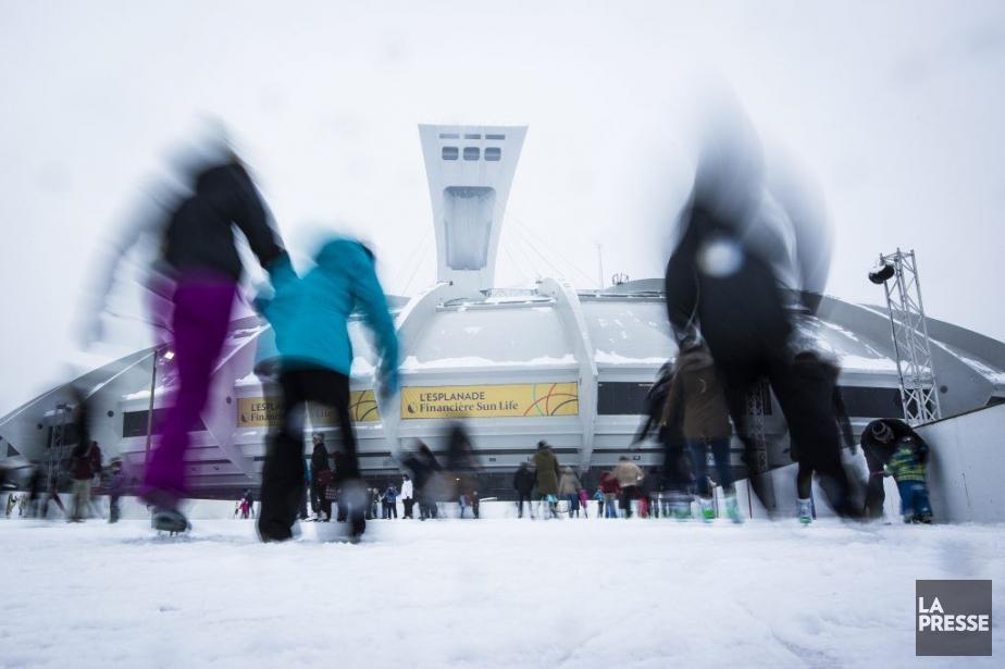Des hordes de patineurs se ruent sur la... (PHOTO OLIVIER PONTBRIAND LA PRESSE)