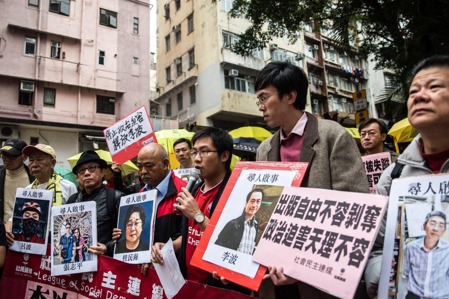 Des manifestants ont protesté dans les rues de... (PHOTO ANTHONY WALLACE, ARCHIVES AGENCE FRANCE-PRESSE)