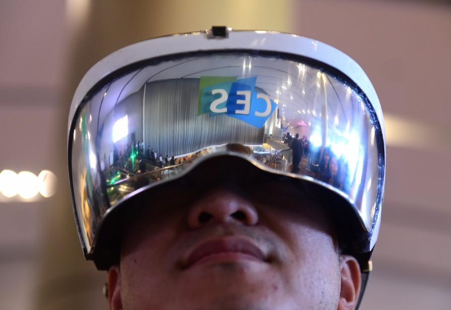 Les vidéos en réalité virtuelle (VR) renouvellent de... (PhotoROBYN BECK, Agence France-Presse)