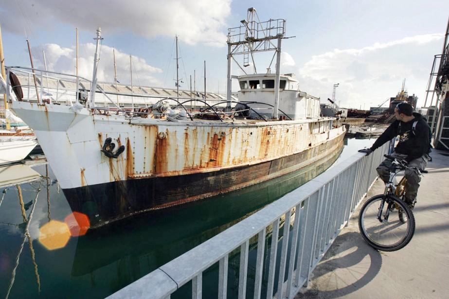 La Calypso amarrée dans le port de La... (PHOTO DERRICK CEYRAC, ARCHIVES AFP)