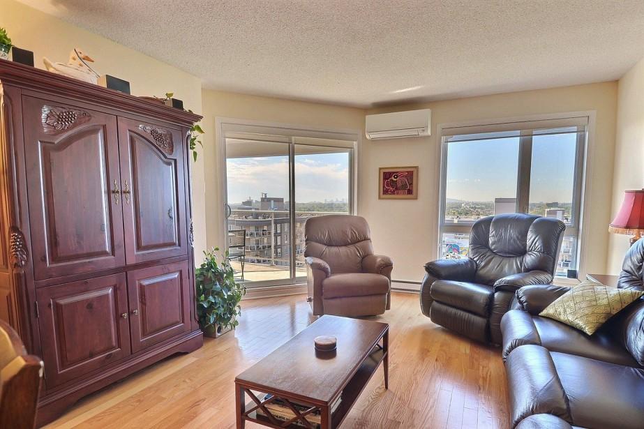 Cet appartement situé au 10e étage d'un immeuble... (Photo fournie par le courtier)