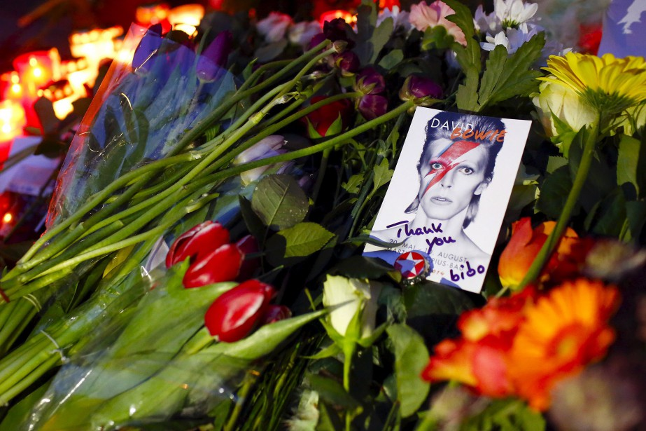À Berlin, où David Bowie s'est réfugié à... (PHOTOHANNIBAL HANSCHKE, REUTERS)