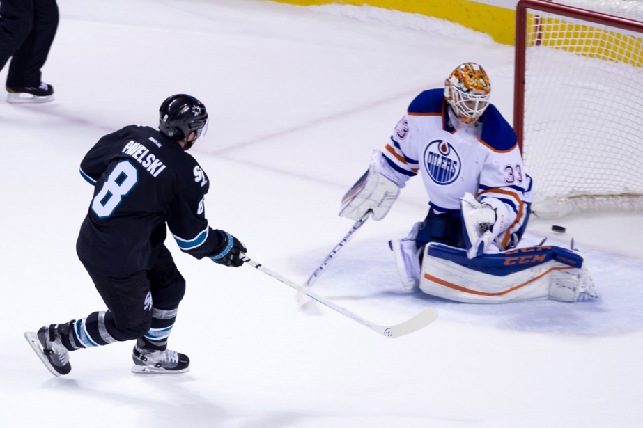 L'attaquant des Sharks Joe Pavelski a déjoué le... (Photo Kelley L Cox, USA Today)