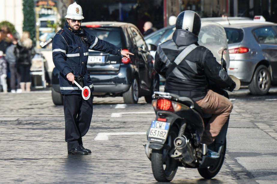 Les scooters Euro0, voire Euro1, sont ainsi déjà... (PHOTO ANDREAS SOLARO, ARCHIVES AFP)