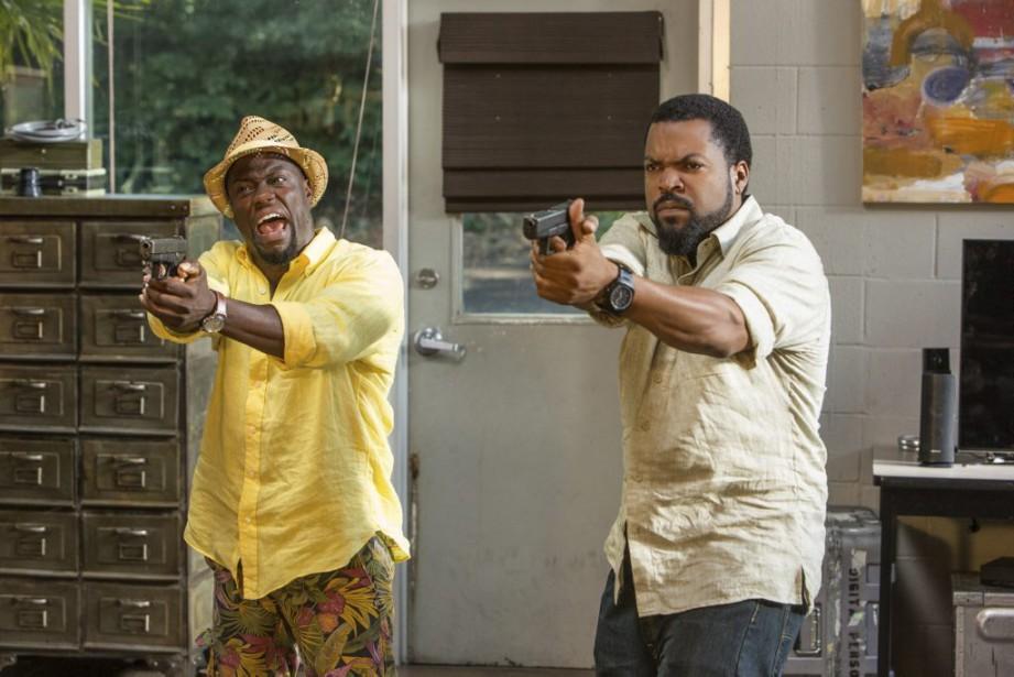 Kevin Hart et Ice Cube dans une scène... (PHOTO FOURNIE PAR UNIVERSAL)