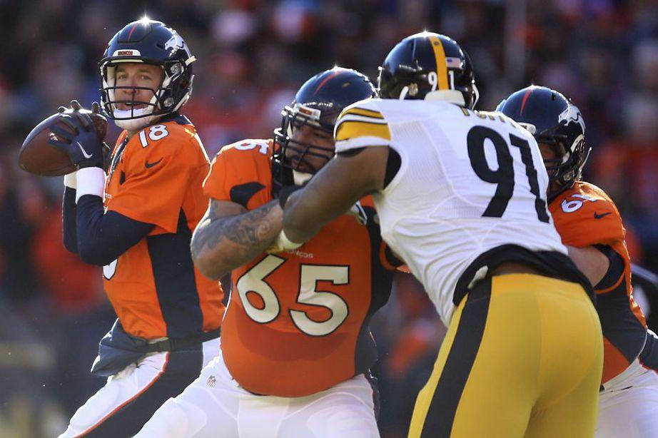 Peyton Manning a sauvé la peau des Broncos de Denver avec une... (PHOTO REUTERS)