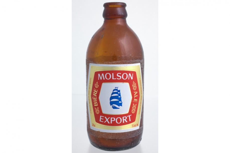 La <em>stubby</em>, petite bouteille brune, fait son apparition sur les tablettes pour la première fois en 1962. (PHOTO FOURNIE PAR MOLSON)