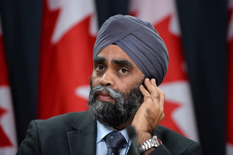Le ministre HarjitSajjan a minimisé l'exclusion du Canada... (PHOTO PC)