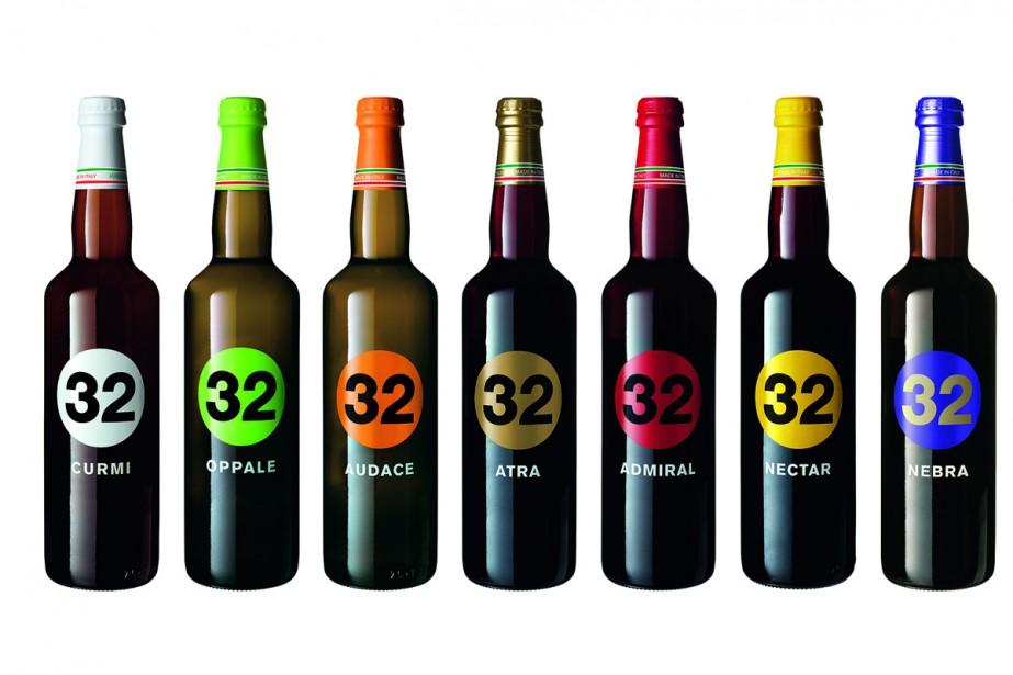 La microbrasserie italienne 32 Via Dei Birrai opte pour un grand cercle de couleur vive entourant le chiffre 32, une signature très forte. Chaque bouteille a son bouchon de plastique coloré de la même couleur que le cercle inséré dans la bouteille, comme un bouchon de liège. (PHOTO FOURNIE PAR 32 VIA DEI BIRRAI)