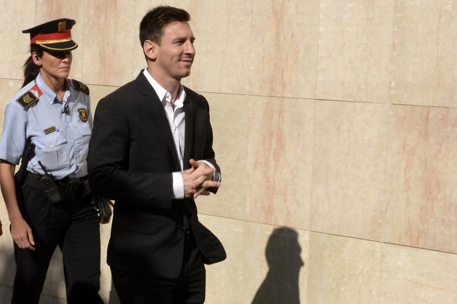 Lionel Messi et son père ont fait l'objet... (Photo Lluis Gene, archives AFP)