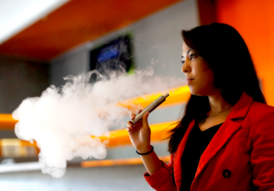 «Selon notre expérience clinique, l'utilisation de la cigarette... (PHOTO MARIO ANZUONI, ARCHIVES REUTERS)