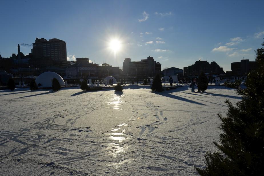 Outre la pêche blanche, le village Nordik offre également une patinoire et un long sentier de glace pour les amateurs de plein air. Le site est ouvert tout l'hiver du jeudi au dimanche. L'organisation espère maintenir les activités jusqu'à la mi-mars. Une volonté qui dépendra seulement de Dame nature. <strong><em>David Rémillard</em></strong> (Le Soleil, Caroline Grégoire)