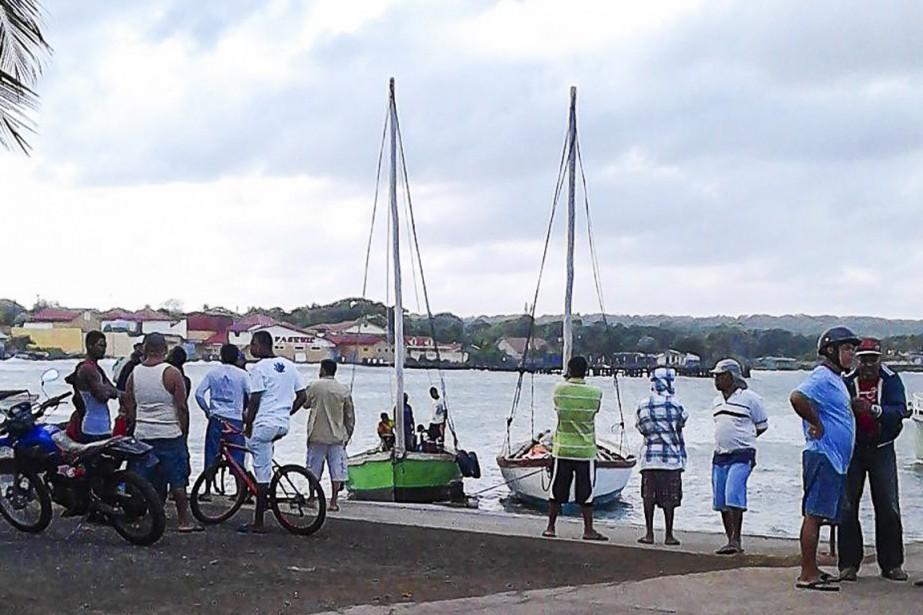 Un bateau de touristes transportant plus de 30 personnes s'est... (Photo AFP)