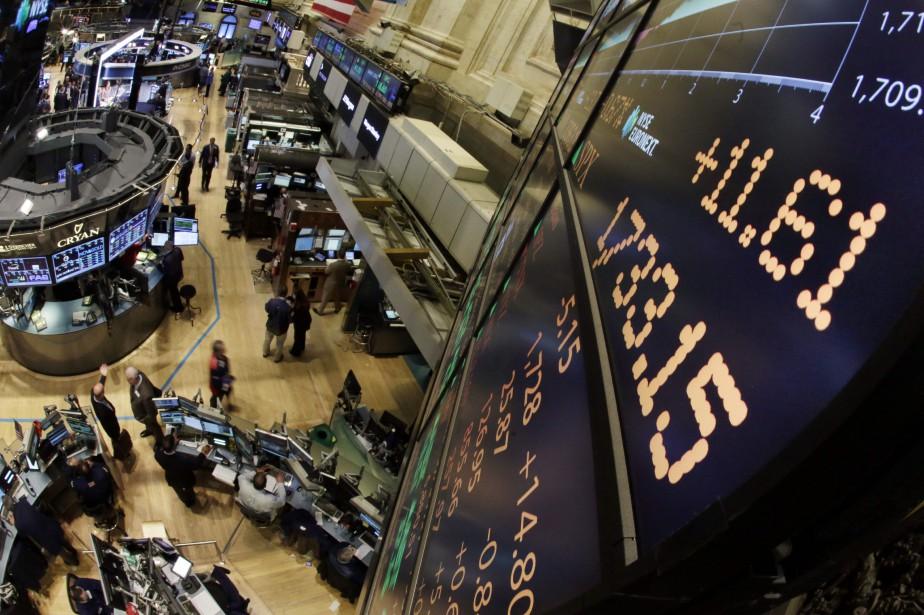 Wall Street a terminé sans direction jeudi à... (PHOTO RICHARD DREW, ARCHIVES AP)