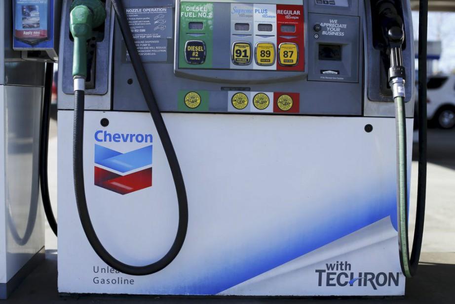 Le bénéfice net annuel de Chevrona été divisé... (PHOTO MIKE BLAKE, ARCHIVES REUTERS)
