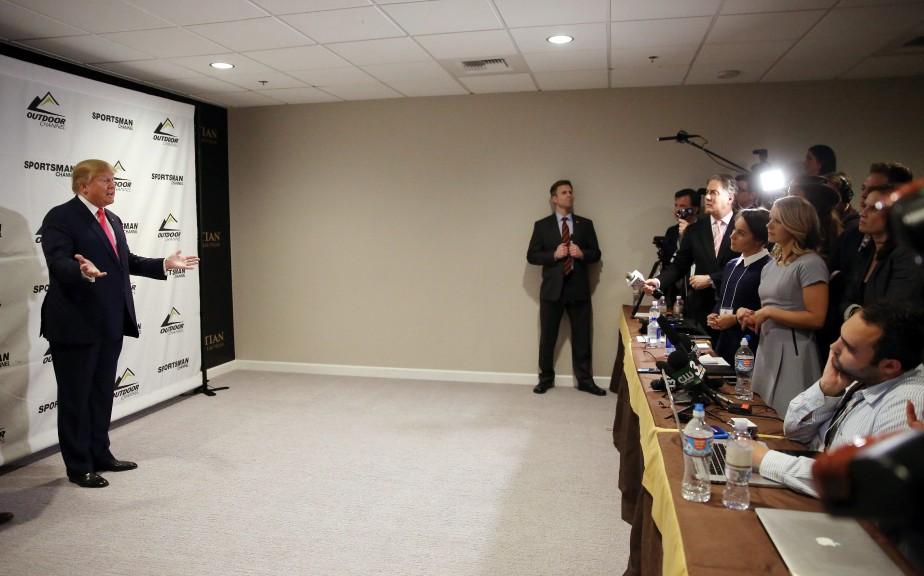 Donald Trump lors d'une rencontre avec les membres... (PHOTO ISAAC BREKKEN, ASSOCIATED PRESS)