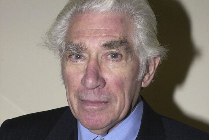 Frank Finlay... (PHOTO ARCHIVES AP)