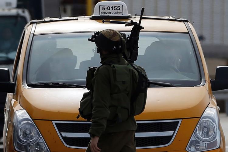 Des responsables militaires israéliens avaient décidé plus tôt... (PHOTO AFP)