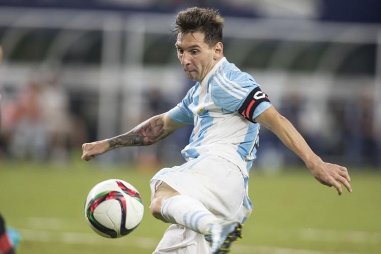 Lionel Messi... (PHOTO REUTERS)