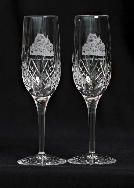 Duo de flûtes à champagne Royal Scot Crystal tayées à la main, 110 $ le coffret à la boutique Fairmont du Château Frontenac(1, rue des Carrières, Québec, 418 694-3428) (Photo Le Soleil, Patrice Laroche)