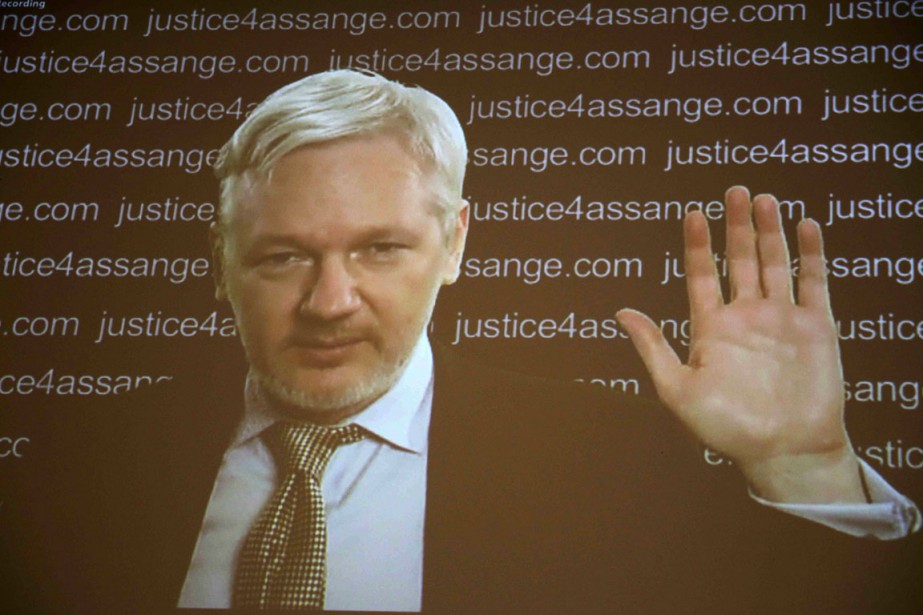 Apparaissant lors d'une vidéoconférence à Londres, le fondateur... (PHOTO NEIL HAL, ARCHIVES REUTERS)