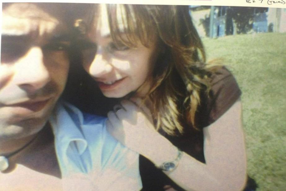 Jian Ghomeshi et Lucy DeCoutere, en 2003.... (PHOTO PRÉSENTÉE À LA COUR)