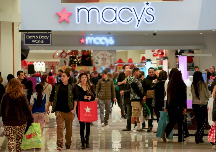 Les ventes au détail aux États-Unis ont légèrement... (Photo archives Reuters)
