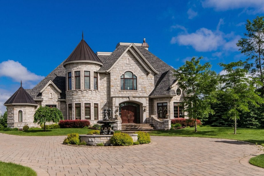 Cette maison de Boucherville a été vendue 2... (PHOTO FOURNIE PAR LE COURTIER)
