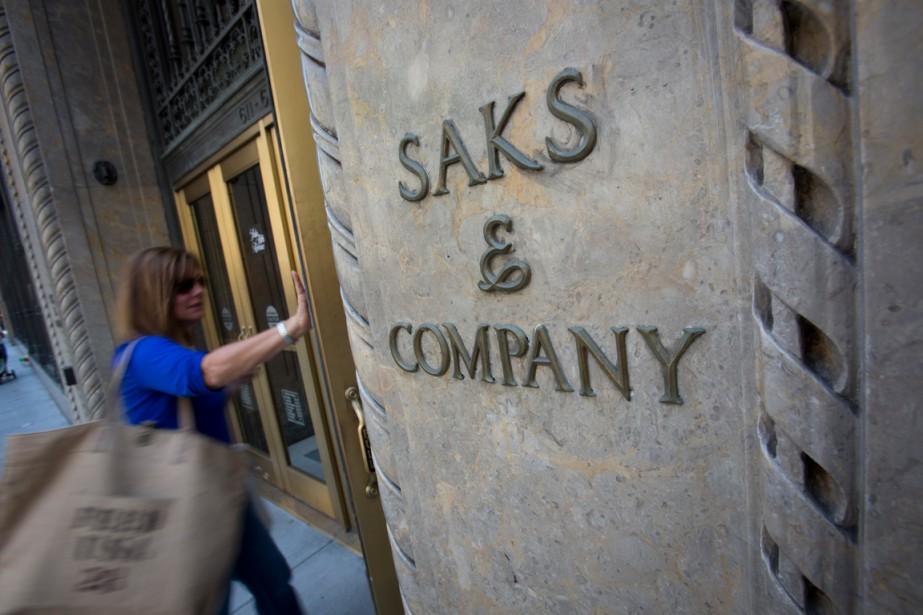 Saks Fifth Avenue s'apprête à faire son entrée... (PHOTO SCOTT EELLS, ARCHIVES BLOOMBERG)