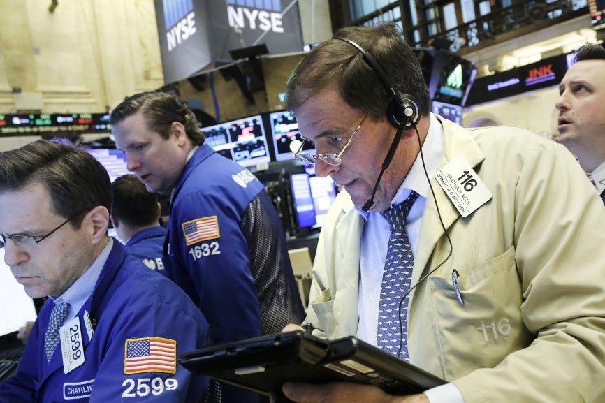 «La Bourse essaie de trouver son niveau», a... (Photo Mark Lennihan, AP)