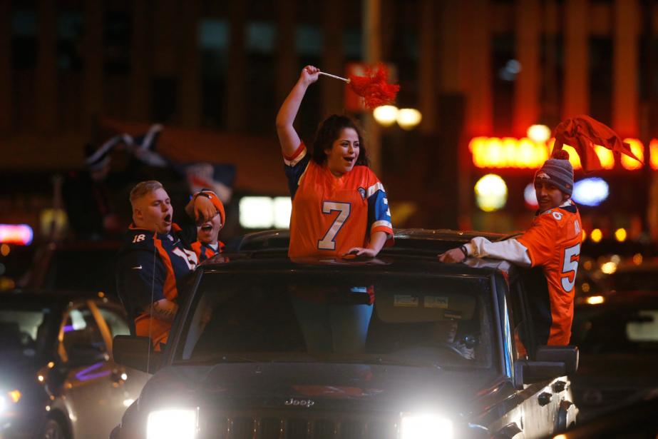 Plusieurs partisans des Broncosont envahi les rues du... (Photo David Zalubowski, archives AP)