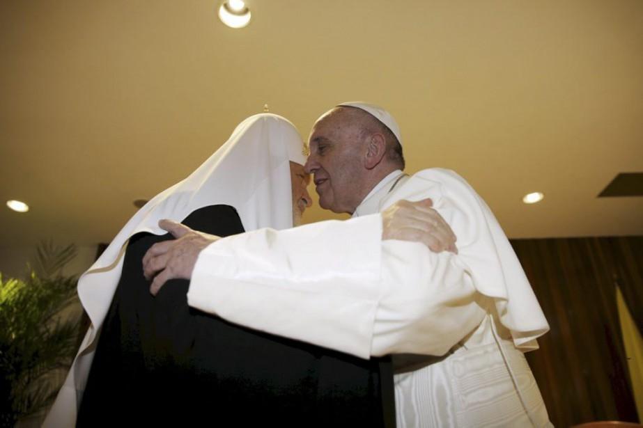 Le patriarche orthodoxe russe Kirill et lepape François.... (PHOTO MAX ROSSI, REUTERS)