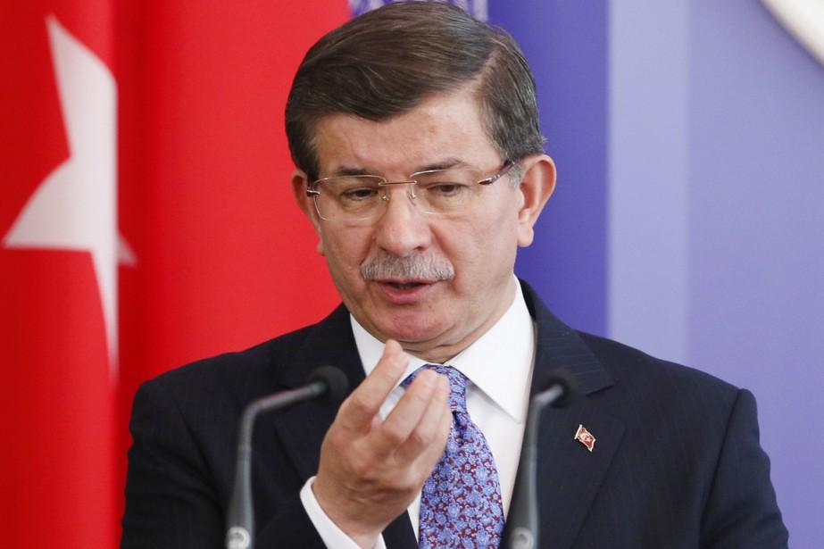 Le premier ministre turc Ahmet Davutoglu... (PHOTO GLEB GARANICH, REUTERS)