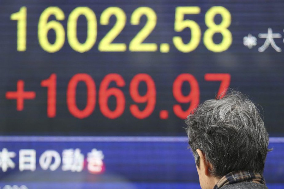 «La performance positive en Asie s'est répercutée sur... (Photo Koji Sasahara, AP)