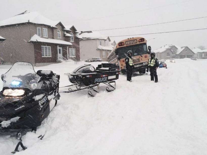 Plus de 49 cm de neige sont tombés sur la capitale fédérale, mardi, éclipsantle précédent record de 40,6cm, qui datait de1947. (Courtoisie, SPVG)