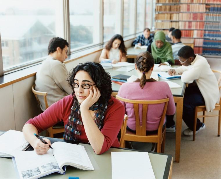 «En 2011-2012, presque 2 millions d'étudiants étaient inscrits... (Photo Thinkstock)