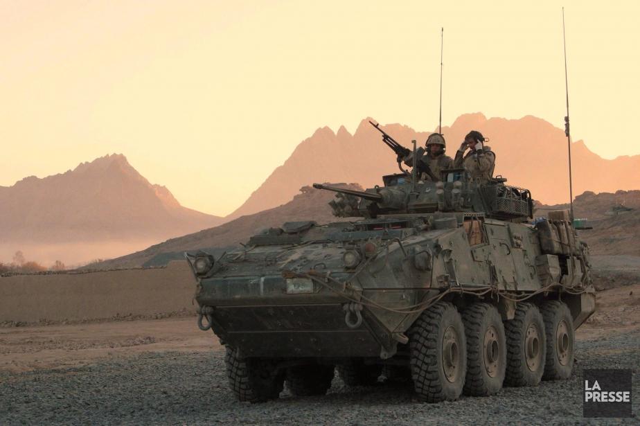 Des soldats canadiens participaient à une opération à... (ARCHIVES LA PRESSE CANADIENNE, BILL GRAVELAND)