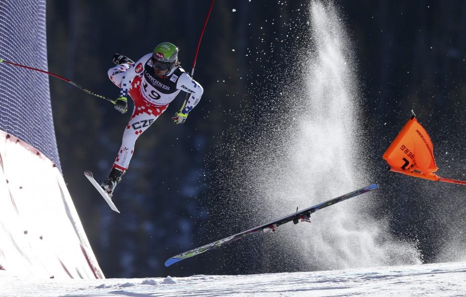 Premier Prix Sports: «Les championnats du monde» de Christian Walgram de GEPA, montrant le Tchèque Ondrej Bank s'écrasant sur la piste de Beaver Creek, Colorado, le 15 février 2015. (Fournie par World Press Photo)