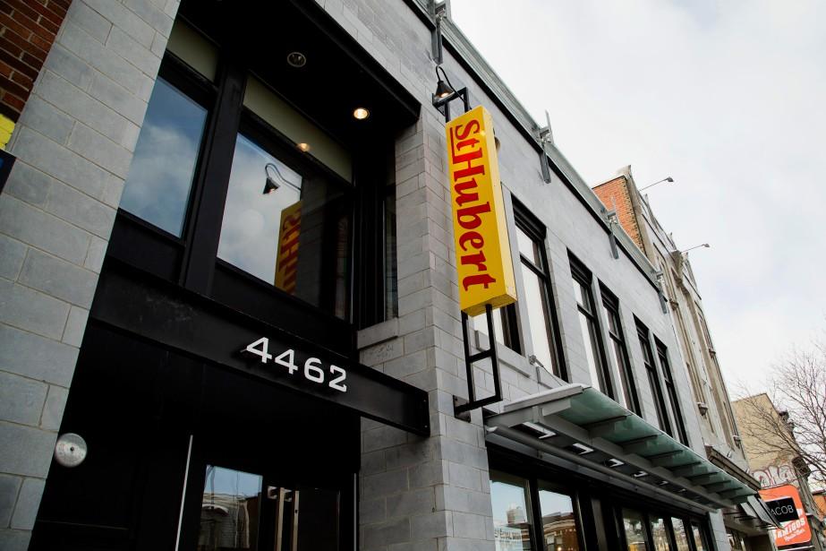 Un restaurant St-Hubert de Rivière-des-Prairies paye en moyenne... (PHOTO ALAIN ROBERGE, ARCHIVES LA PRESSE)