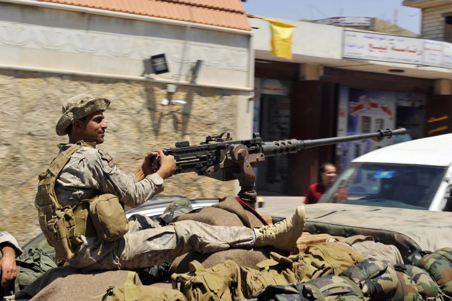 Un soldat de l'armée libanaise patrouille à Labweh,... (PHOTO HASSAN ABDALLAH, ARCHIVES REUTERS)