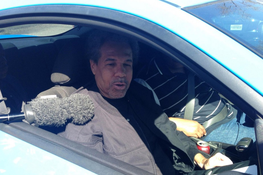 Albert Woodfox répond aux journalistes après avoir été... (Photo Bryn Stole, Reuters)