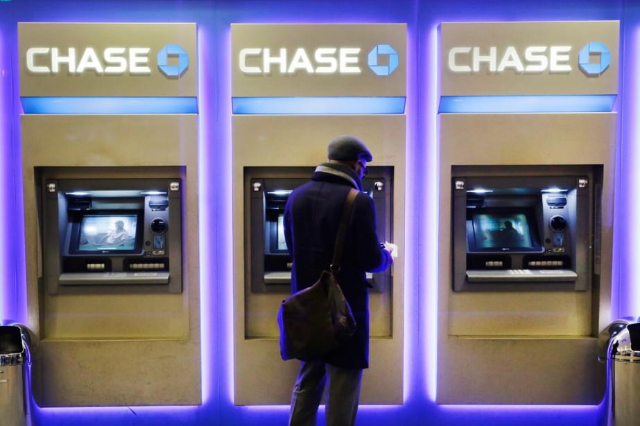 Des dizaines de banques américaines et d'autres groupes... (PHOTO MARK LENNIHAN, ARCHIVES AP)