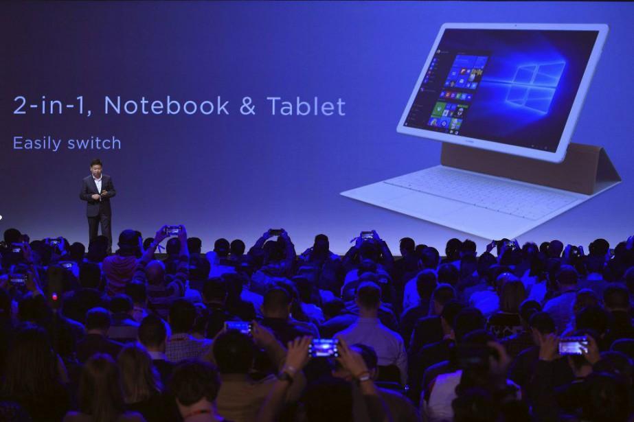 Le Matebook, doté d'un écran de 12pouces, pèse... (PHOTO LLUIS GENE, AFP)