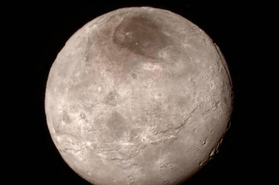 La lune Charon.... (PHOTO AP/NASA)