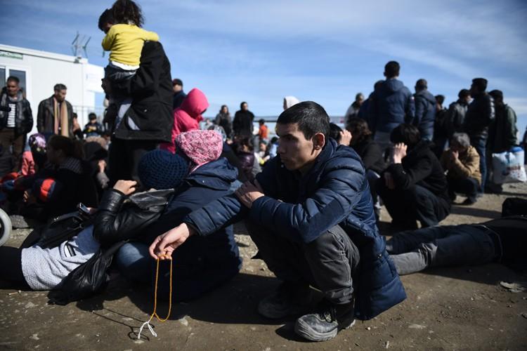 Dans le camp de transit d'Idomeni, environ 200... (PHOTO AP)