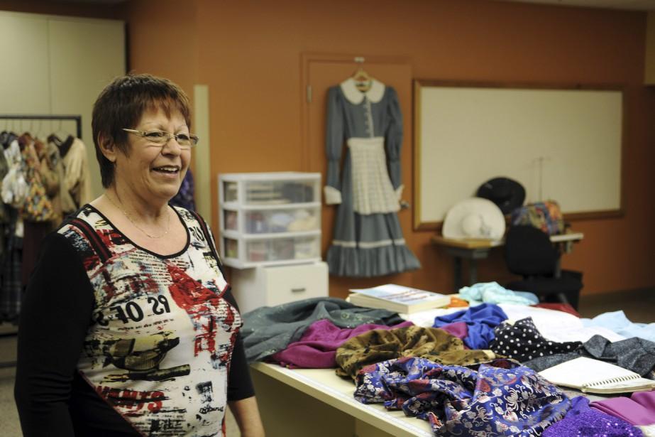 La chef couturière Odette Lavoie parle de son métier avec passion. (Photo Le Quotidien, Mariane L. St-Gelais)