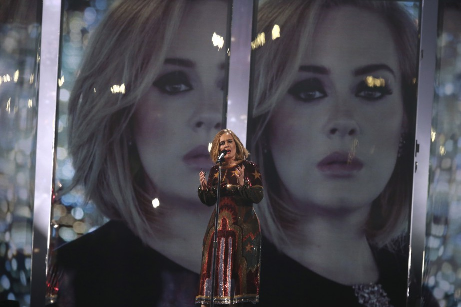 Adele a été la reine de la soirée. (AP, Joel Ryan)