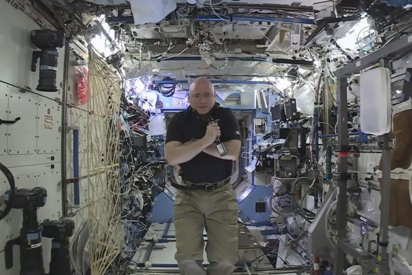 Scott Kelly... (PHOTO AP/NASA)